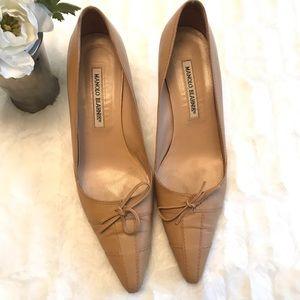 Manolo Blahnik kitten heel shoes